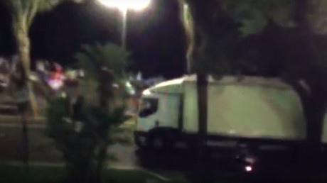 Moment of truck rampage in Nice captured on video (GRAPHIC)