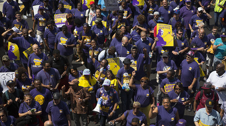 Hundreds of Philadelphia airport workers stage sit-in over 'Fight for $15'