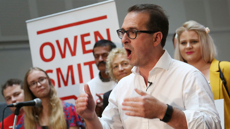 'Corbyn doesn't get patriotism,' claims Owen Smith … while defending links to tax avoidance firm