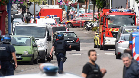ISIS hostage takers kill 84yo priest at French church, reportedly slitting his throat