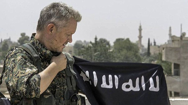 British actor turns his back on Hollywood for a second go at fighting ISIS