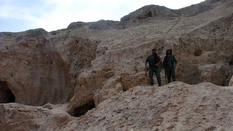 ISIS plunders unique archeological site in Syria, destroys 'profane' artifacts (VIDEO)