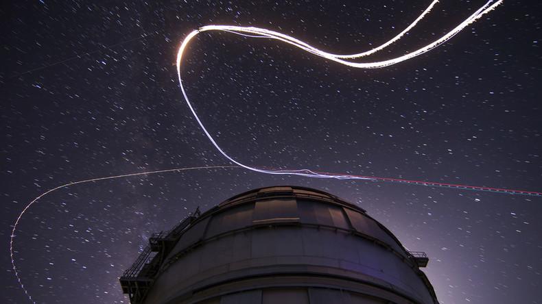 Human 'meteors': Skydivers shoot across night sky in Perseids plunge (VIDEO, PHOTOS)