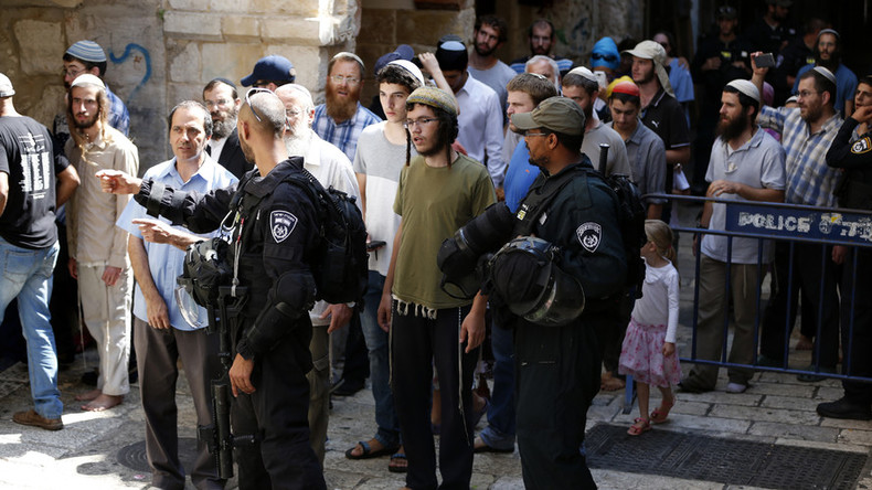 15 Palestinians injured as 100s of Jews enter Al-Aqsa compound in Jerusalem