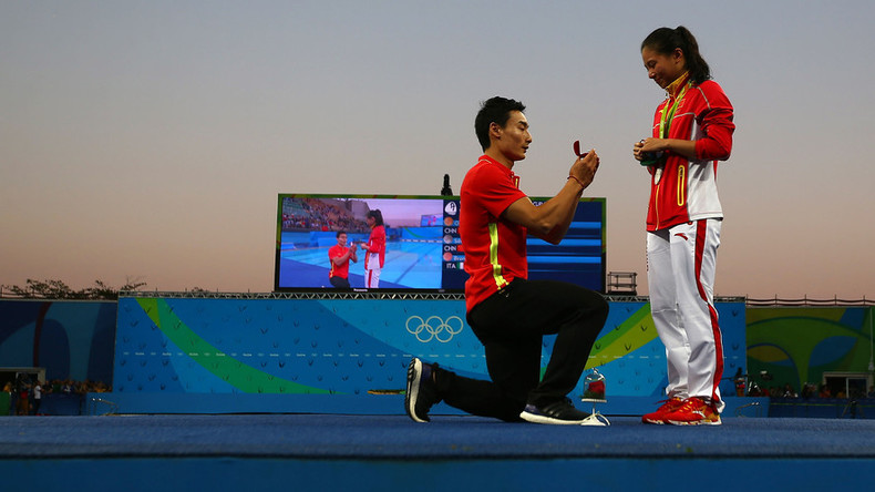 Chinese diver wins Olympic medal, gets wedding proposal (PHOTOS)