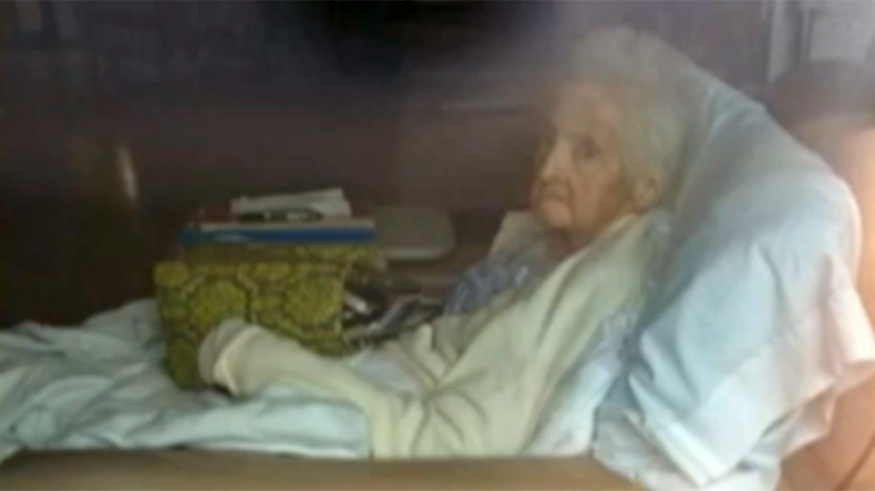 Clinic staffers forget 86-yo Massachusetts woman on dialysis, close facility