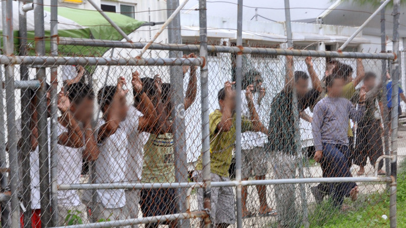 Australia & PNG agree to close Manus Island immigration center, offer no plan for 800+ detainees