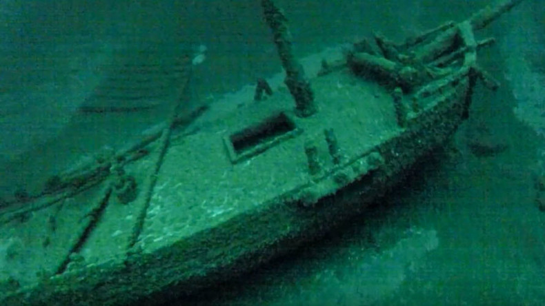 Amazingly intact 18th Century shipwreck discovered on bed of Lake Ontario (VIDEO)