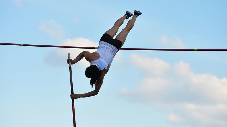 Yelena Isinbayeva makes 'final' pole vault (VIDEO)