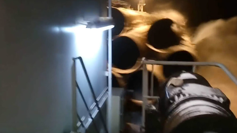 Keep calm and let them drown: Russian sailors cheer as expensive pipes plunge off deck (VIDEO)