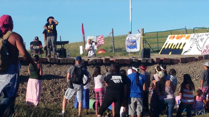 Native Americans unite against Dakota oil pipeline to protect sacred sites