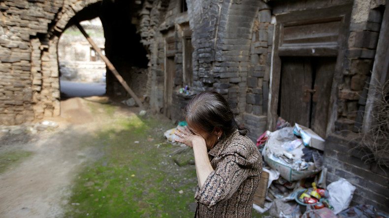 China homes sinking: Mining boom leaves villages ravaged, residents at risk (PHOTOS)