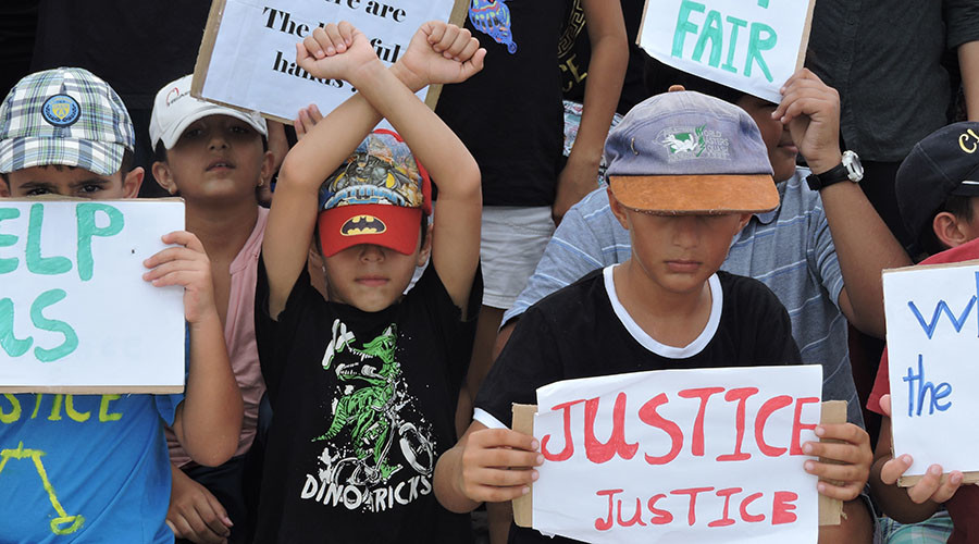 Australian govt accused of 'deliberately inflicting suffering' & abuse on refugees