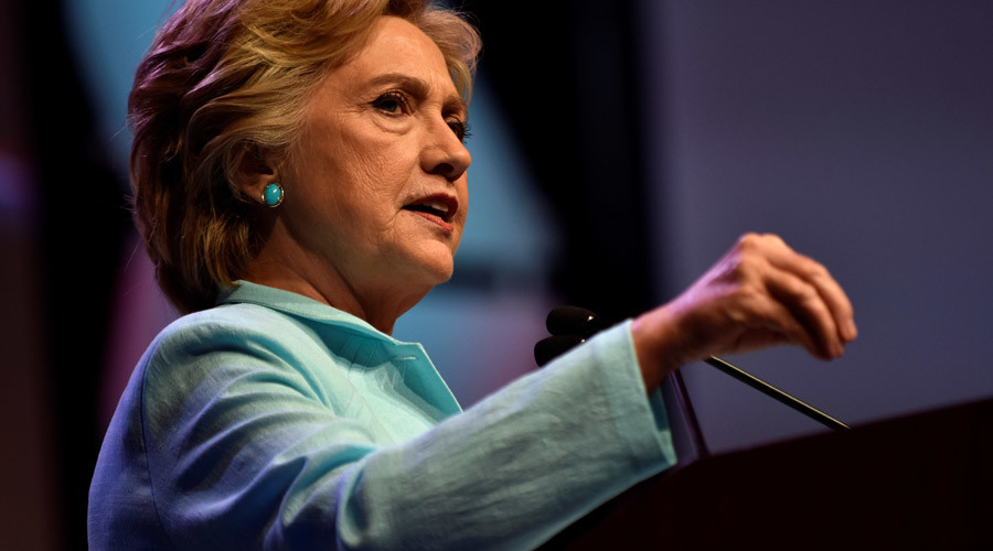 What makes Hillary 'short circuit'? Twitter wonders after candidate's email comment