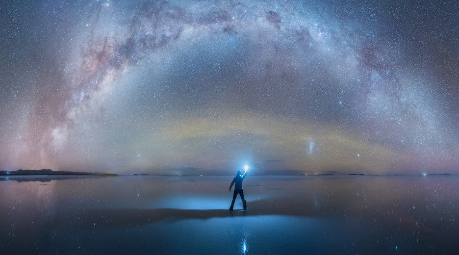 Surrounded by stars: Mesmerizing Milky Way mirrored in Bolivia's salt flats (PHOTOS)