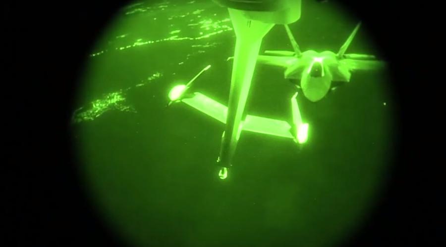 Watch night refueling of F-22 Raptors during anti-ISIS strikes (VIDEO)