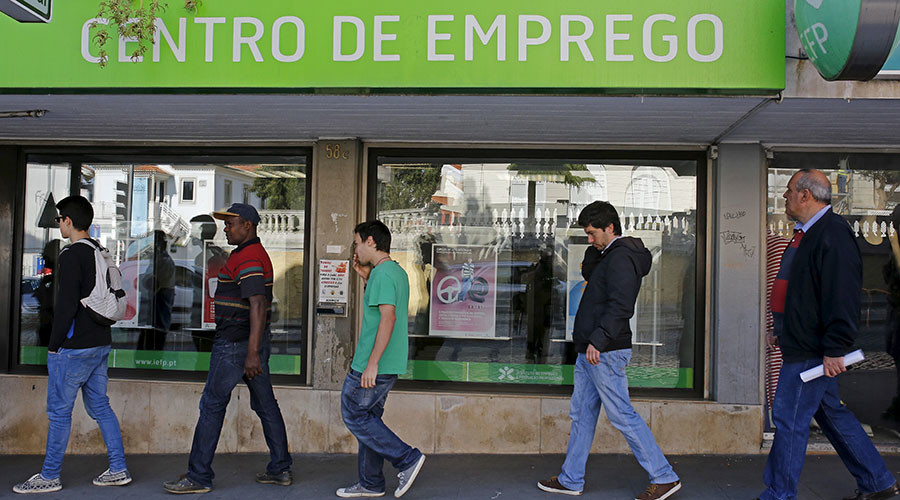 Spain & Portugal avoid budget fines