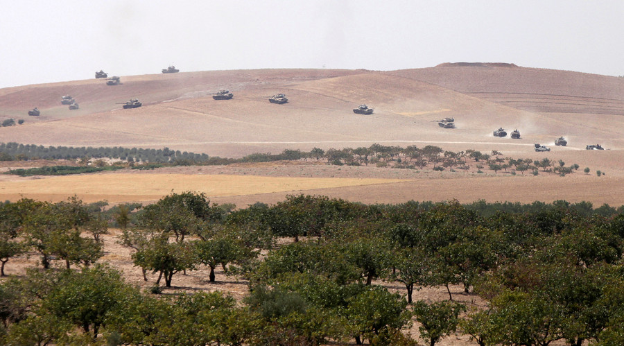 Turkish tanks cross Syrian border in military op to retake city of Jarablus from ISIS