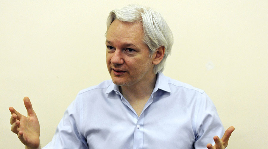 Assange slams Clinton for 'Russian hysteria' & US media for politicized election coverage
