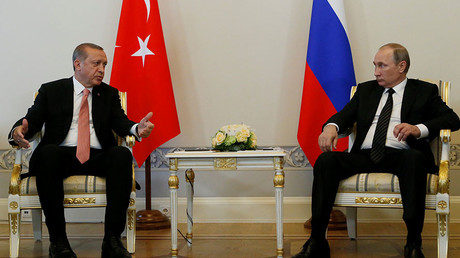 Putin meets Erdogan for 1st time since downing of Russian jet