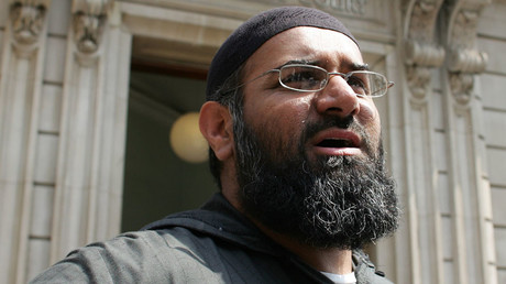 Anjem Choudary, the leader of the dissolved militant group al-Muhajiroun © Stephen Hird