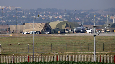 A military aircraft is pictured on the runway at Incirlik Air Base, in the outskirts of the city of Adana, southeastern Turkey. © AFP