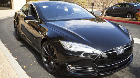 A Tesla Model S © Beck Diefenbach