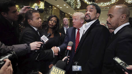Presidential candidate Donald Trump (C) speaks to the media after meeting with a group of black pastors at his office in the Manhattan borough of New York  © Lucas Jackson