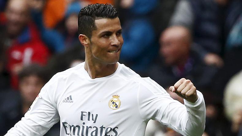 Real flush: Football star Ronaldo wins $15k in charity poker match