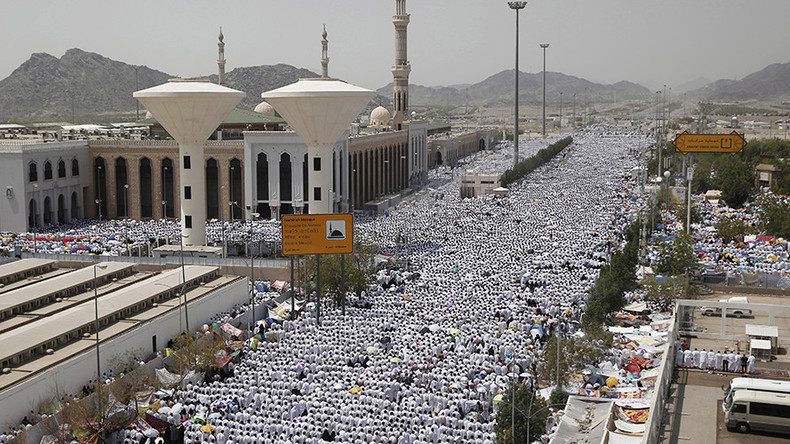 Hajj rift: Top Saudi cleric says Iranians 'aren't Muslims' after Iran calls Saudis 'murderers'