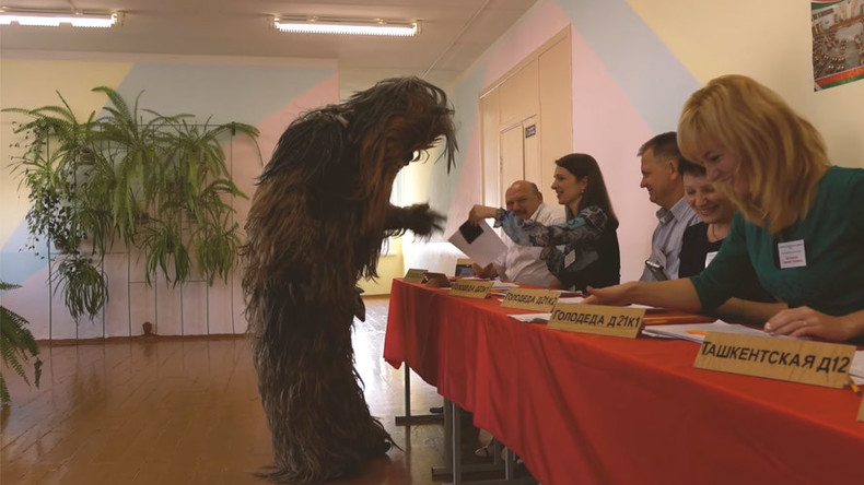 Voting Vader: Chewbacca, Pink Panther cast ballots in Belarus election (VIDEO)