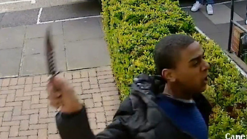 CCTV footage shows sickening hunting knife attack in London (VIDEO)