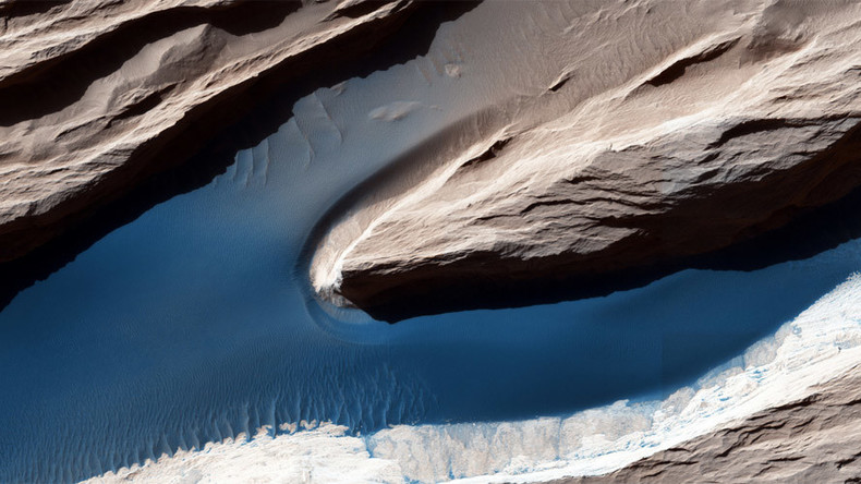 Breathtaking photos of Mars from deep space high-res camera