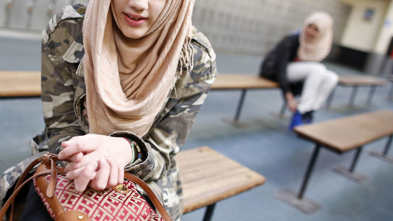 Spanish regional govt orders school to allow Muslim student to wear hijab in class