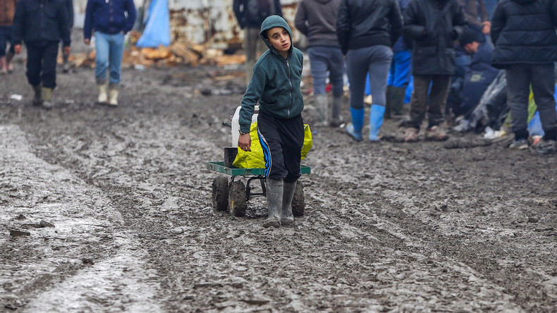 Child refugees in Calais 'Jungle' are 'giving up' on reaching Britain