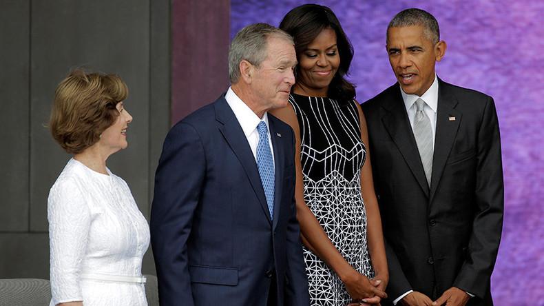 George W Bush gets selfie help from Obama (VIDEO)