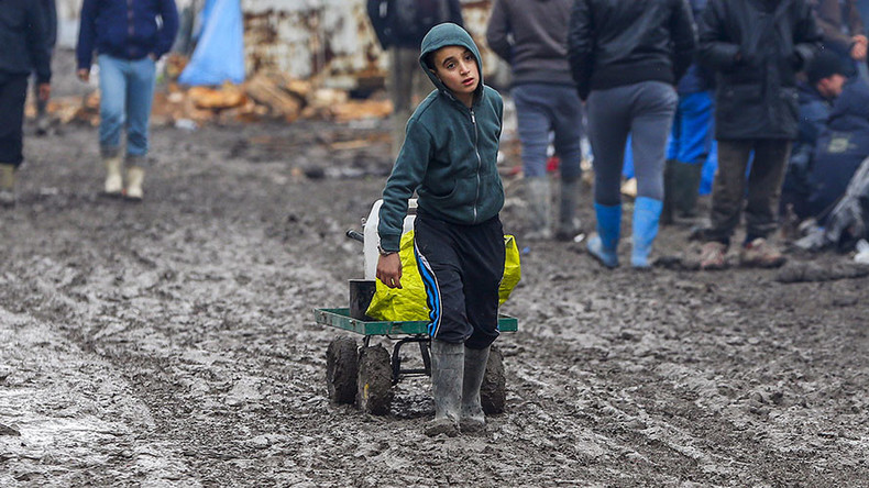 Lone refugee kids may fall prey to traffickers & rapists when Calais camp is bulldozed – UNICEF