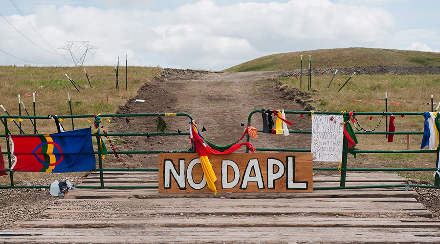 Dakota Access pipeline: Iowans sue, while North Dakota calls in National Guard (VIDEOS)