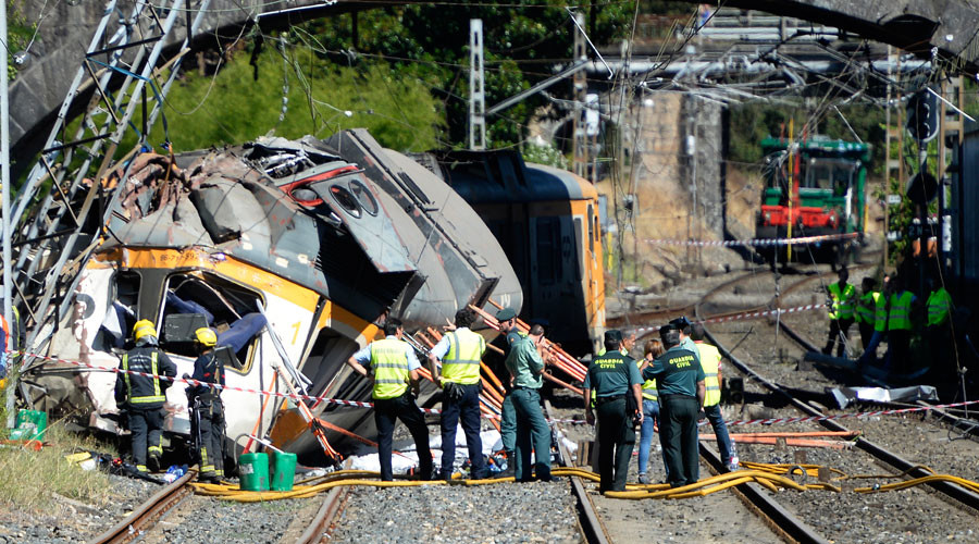 At least 4 dead, dozens injured as train derails in northern Spain – authorities (PHOTOS, VIDEOS)