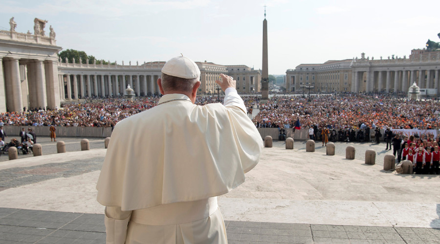 Corruption 'more addictive than drugs,' Pope Francis says