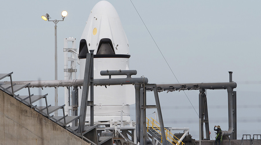 SpaceX test-fires Raptor, next-gen engine that will take us to Mars