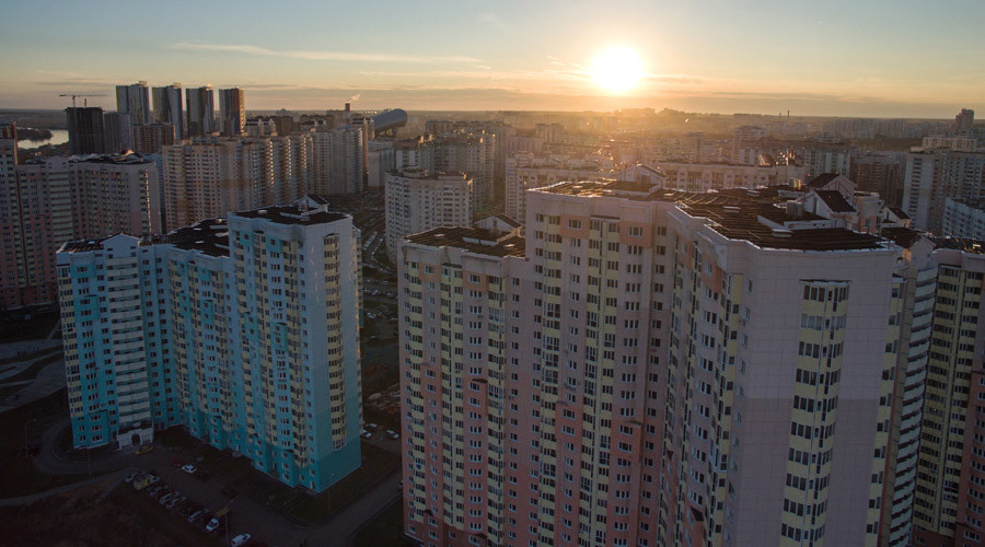Russian teen survives 23-floor fall after attempting to impress girl