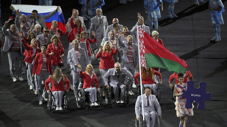 Belarusian Paralympic team carries Russian flag in support of banned athletes (PHOTO)