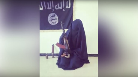 Female ISIS fighter. © Conflict Studies