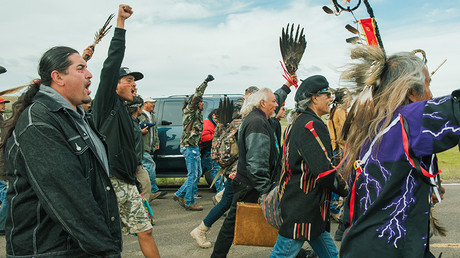 FILE PHOTO: Protesters demonstrate against the Energy Transfer Partners' Dakota Access oil pipeline near the Standing Rock Sioux reservation in Cannon Ball, North Dakota, U.S. September 9, 2016 © Andrew Cullen