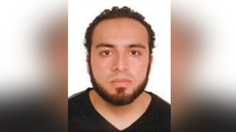 An image of Ahmad Khan Rahami, who is wanted for questioning in connection with an explosion in New York City, is seen in a a poster released by the Federal Bureau of Investigation (FBI) on September 19, 2016. © FBI