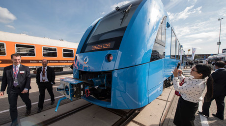 Green & quiet: Germany gets world's 1st zero-emission hydrogen-powered train