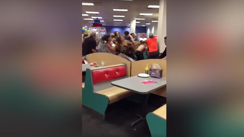 Kicks & punches in Chuck E. Cheese: Massive adult brawl at kid's restaurant in Florida (VIDEO)