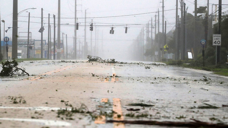 Hurricane Matthew reaches US coast