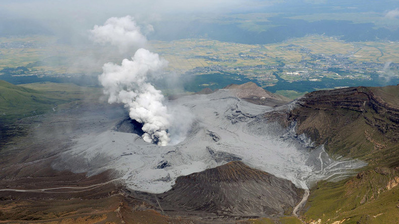 Japanese volcano dramatically erupts, spewing ash on surrounding countryside (VIDEO)